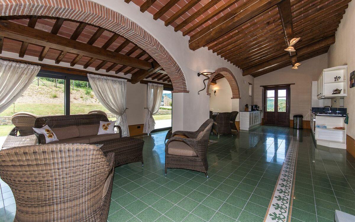 Vakantiehuis Toscane met zwembad - 4 persoons Casa Giglio - 2 slaapkamers, 2 badkamers, ruime woonkamer, goed ingerichte keuken, ruim terras en speeltuin kinderen