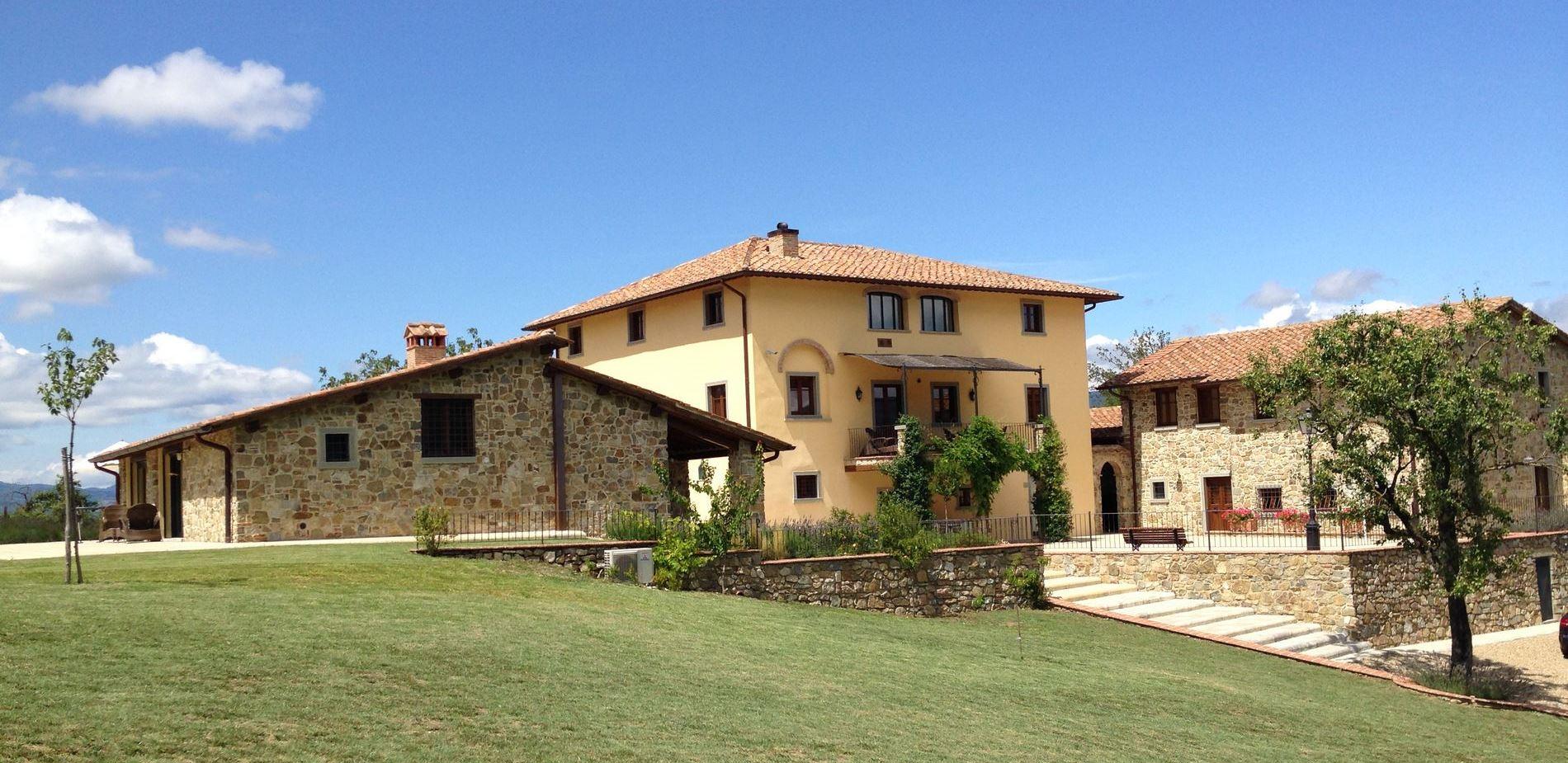 Twee vakantiehuizen met zwembad en airco in Toscane, vakantiehuis met zwembad 4 personen Toscane, vakantiehuis met zwembad 6 personen Toscane, vakantiehuis met zwembad 10 personen Toscane