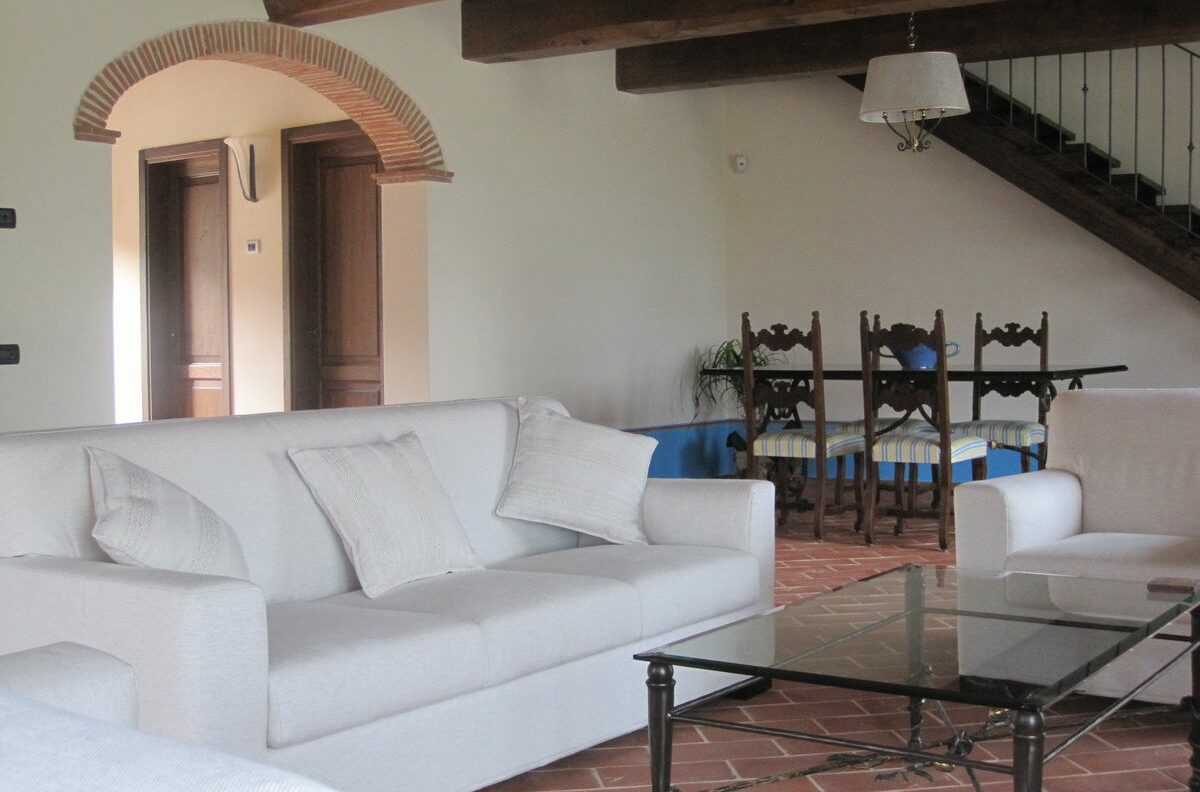 Borgo La Casa, Poppi Tuscany, holiday home Casa Giglio with swimming pool for 6 people with 3 double bedrooms and 3 bathrooms,