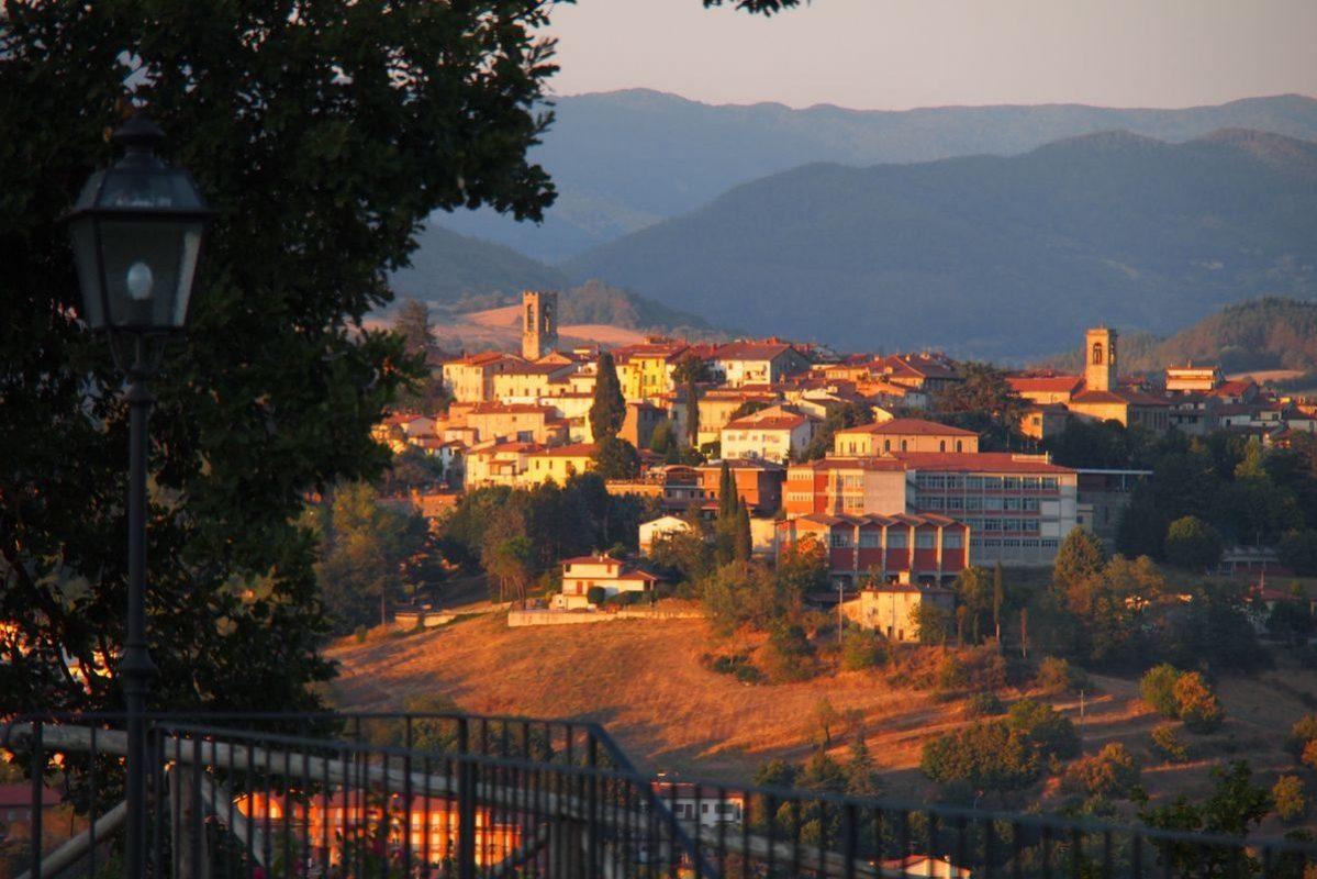 Tuscany Holiday Villa 'Borgo La Casa', Poppi, Casentino