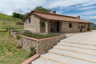 Borgo La Casa, Poppi Tuscany, holiday home Casa Girasole with swimming pool for 4 people with 2 bedrooms and 2 bathrooms
